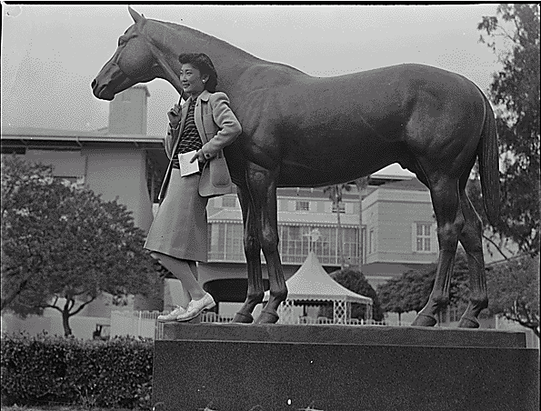 Seabiscuit_statue