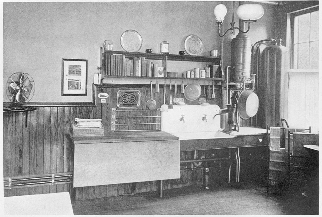 1900s Kitchen